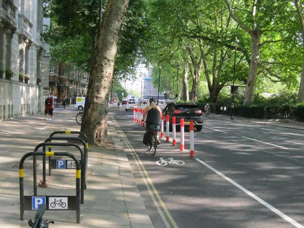 Cycle lane on Millbank